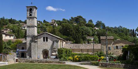 Visiter l'Abbaye de Valbonne, véritable havre de paix