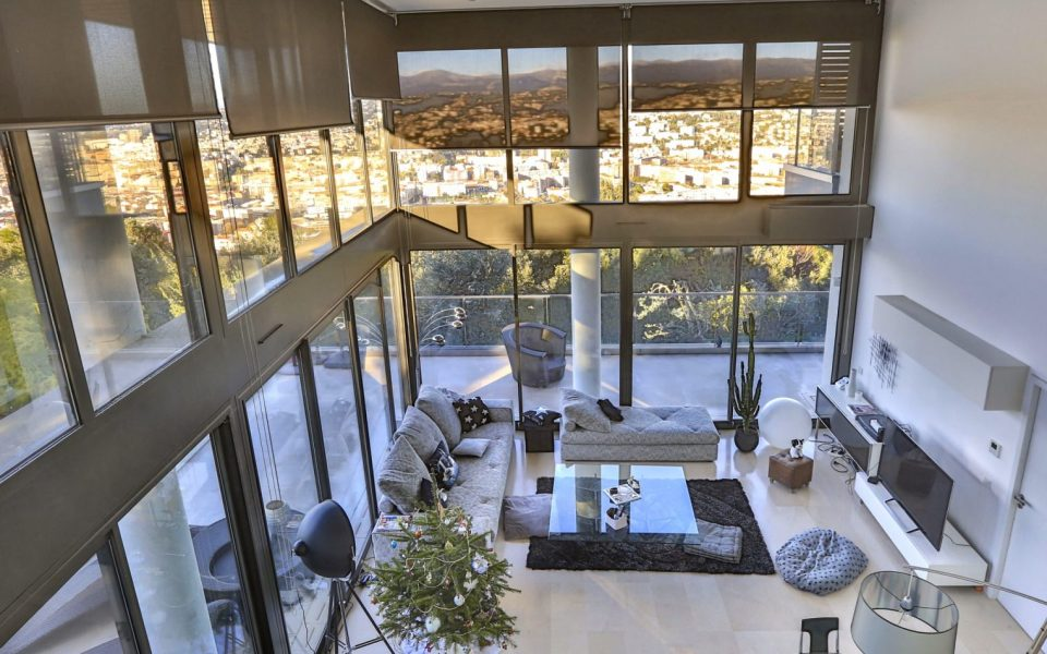 Penthouse duplex of 170 m² in a dominant position