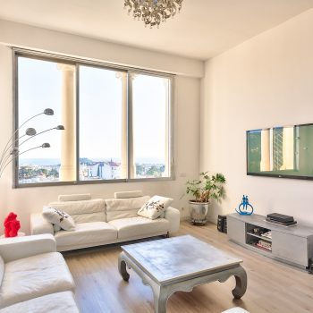Nice – Cimiez – Rare: Gorgeous 3 Bedrooms of 140 sqm on the Top Floor in the Prestigious Residence Le Regina