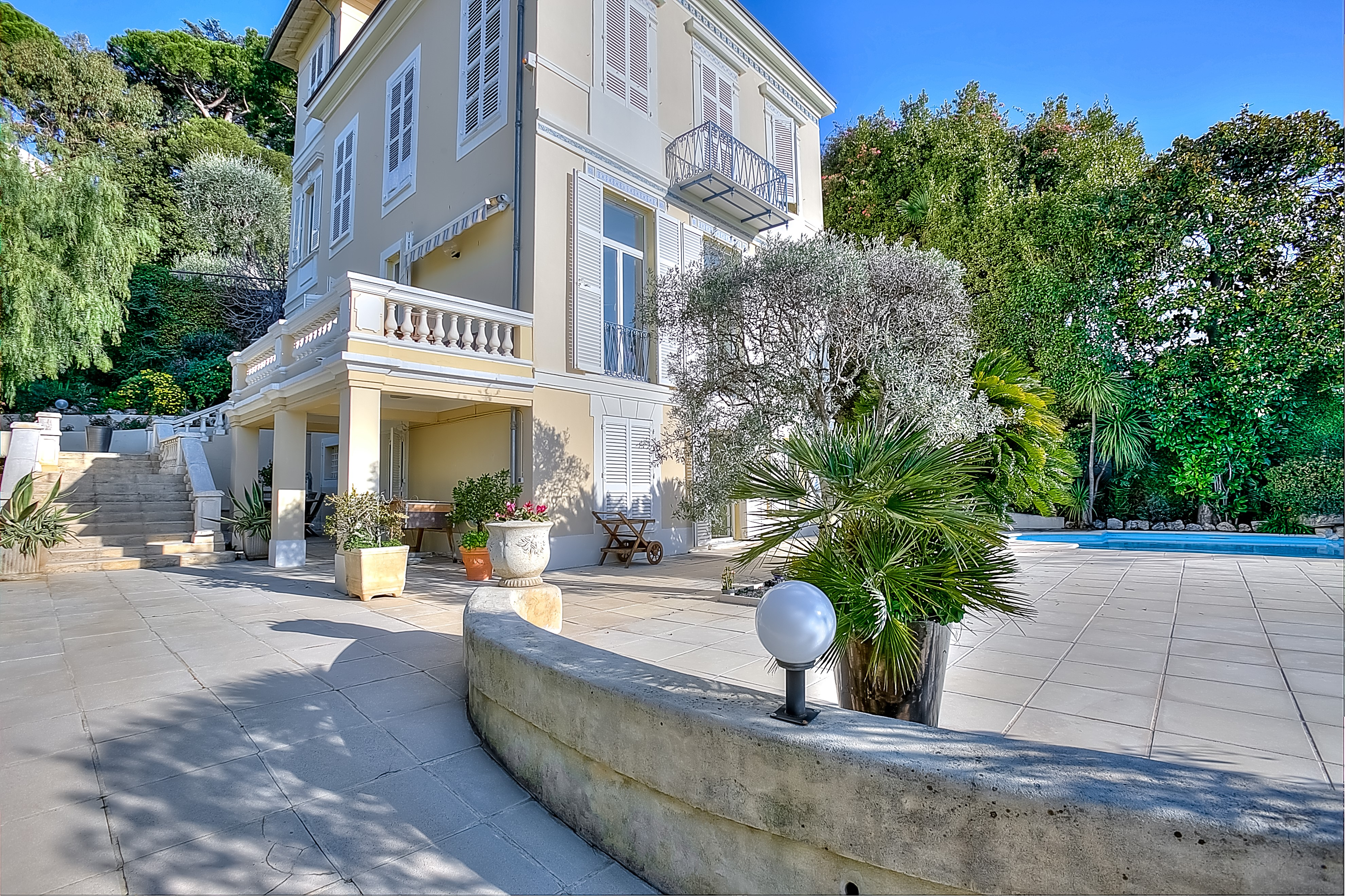 Nice Ville – Prestigious house with sea view and swimming pool