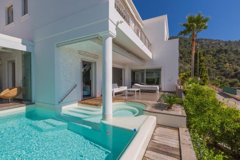 Nice Grande corniche – Georgeous Villa 190 sqm and Land 400 sqm