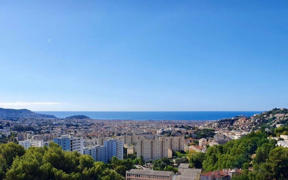Nice – New One Bedroom Apartment in a Small Residence with Panoramic Sea View in Nice : photo 2