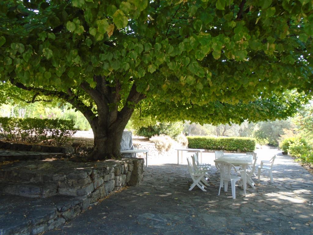 Tourrettes sur Loup – Nice Property 300 sqm With Landscaped Garden 10 000 sqm
