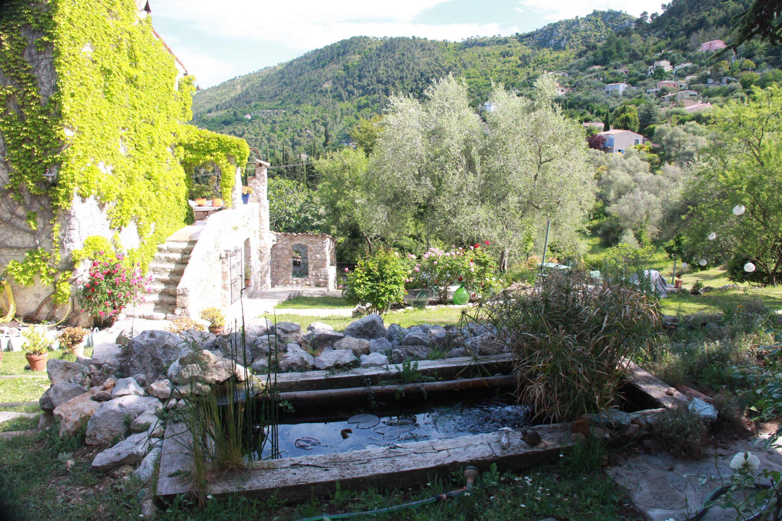 Tout le charme des vieilles pierres de Provence à 30mn de Nice-Aéroport