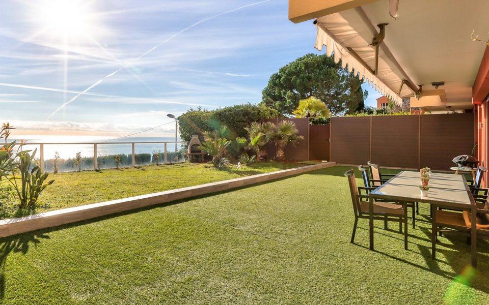 Roquebrune-Cap-Martin – Magnificent apartment renovated with taste, Private garden, Panoramic sea views : photo 3