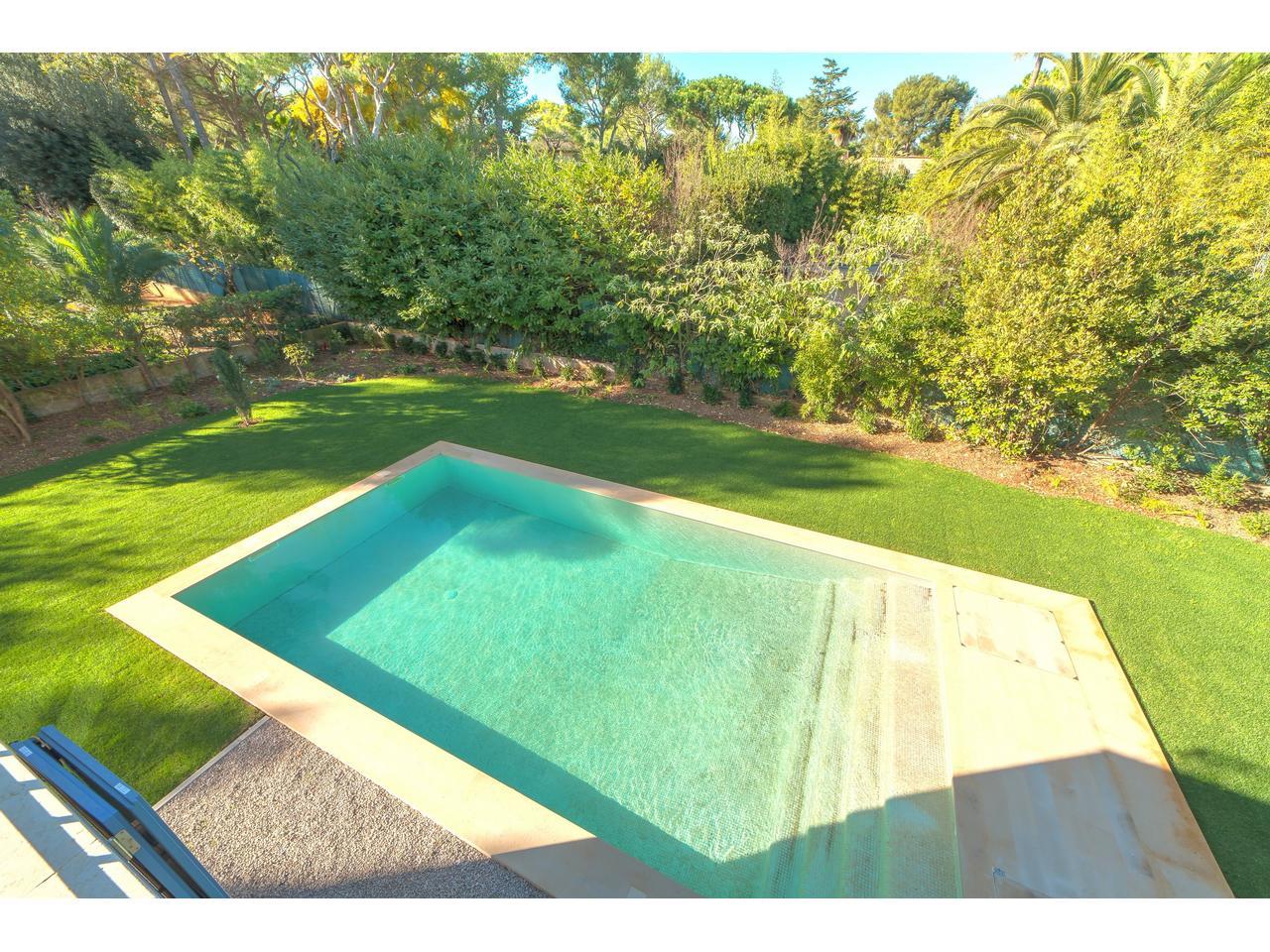 St-Jean-Cap-Ferrat – Beautiful neo-Provencal Villa of 278 sqm