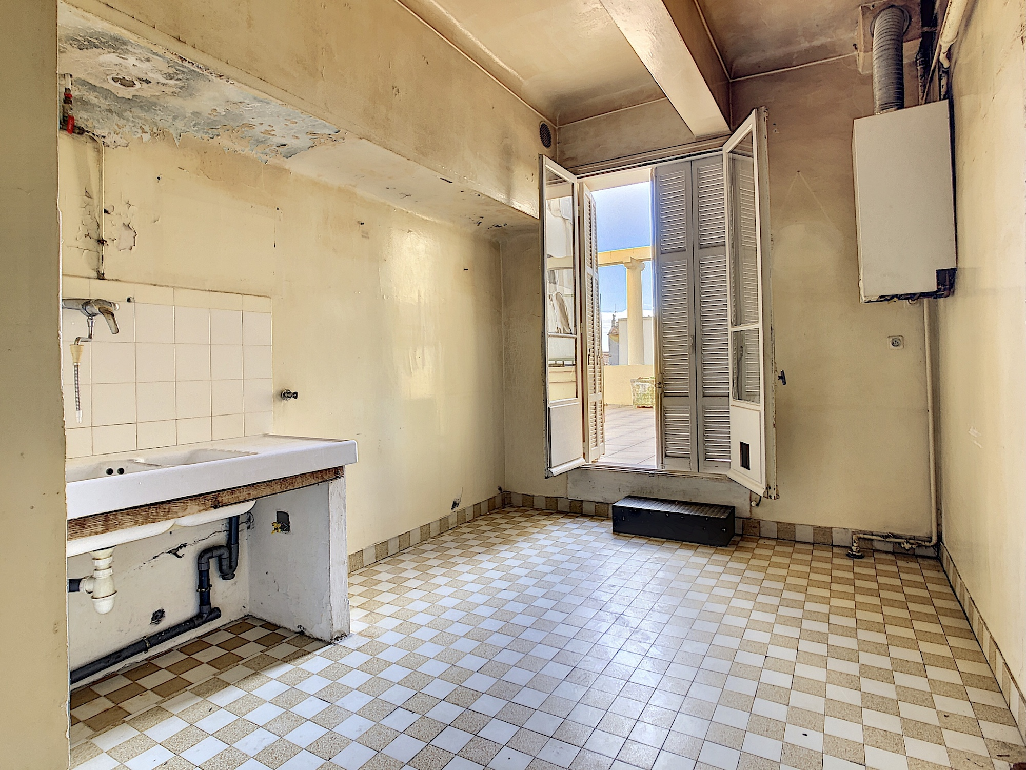 Beaulieu – Art Deco flat with terrace