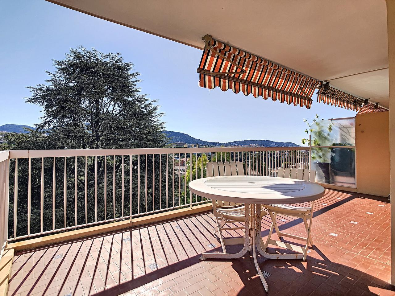 Nice Chambrun – Nice 2 Bedrooms Apartment 87 sqm Sea View in Residence Swimming Pool