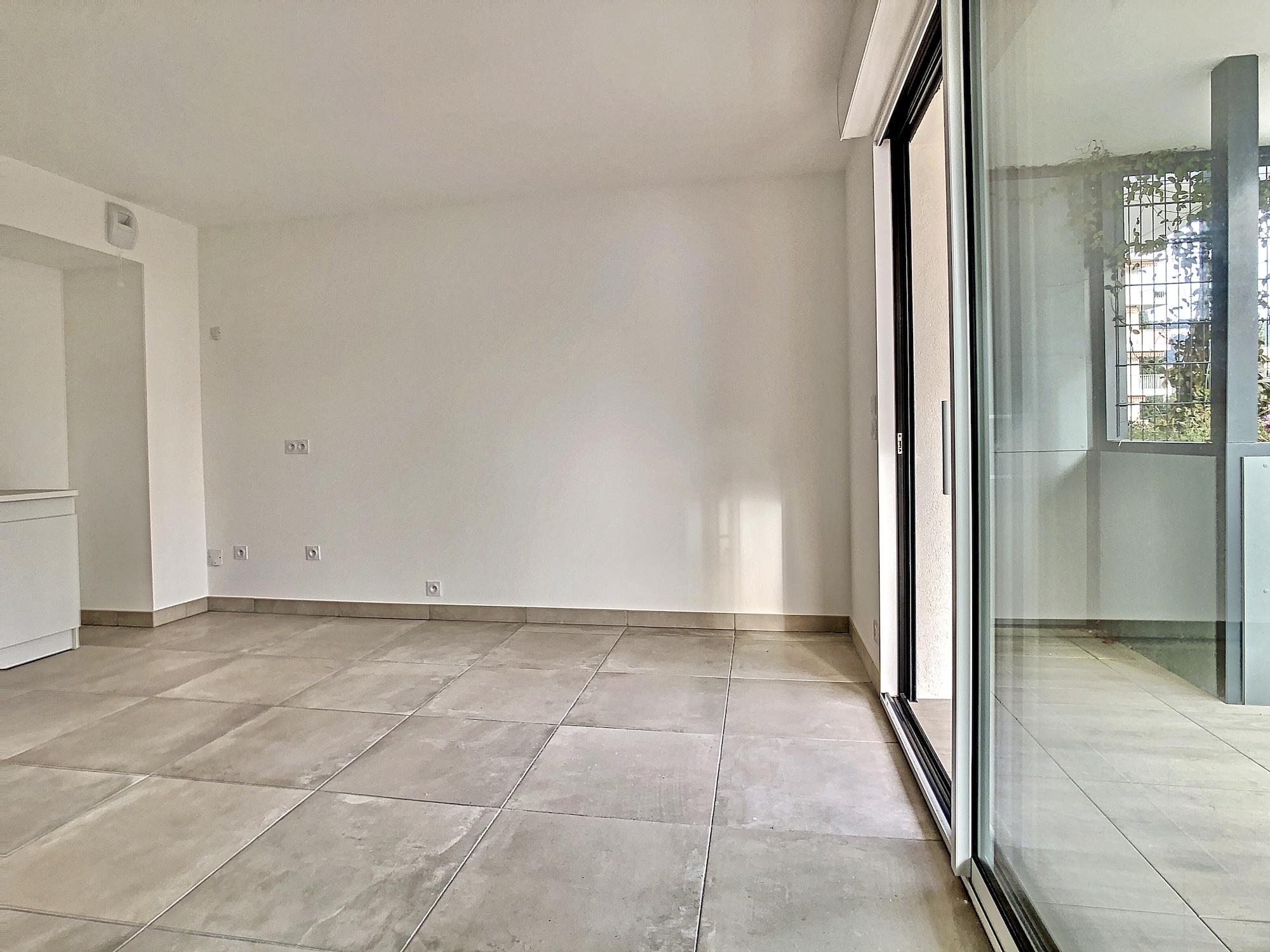 Nice Cimiez  2 Bedrooms apartment