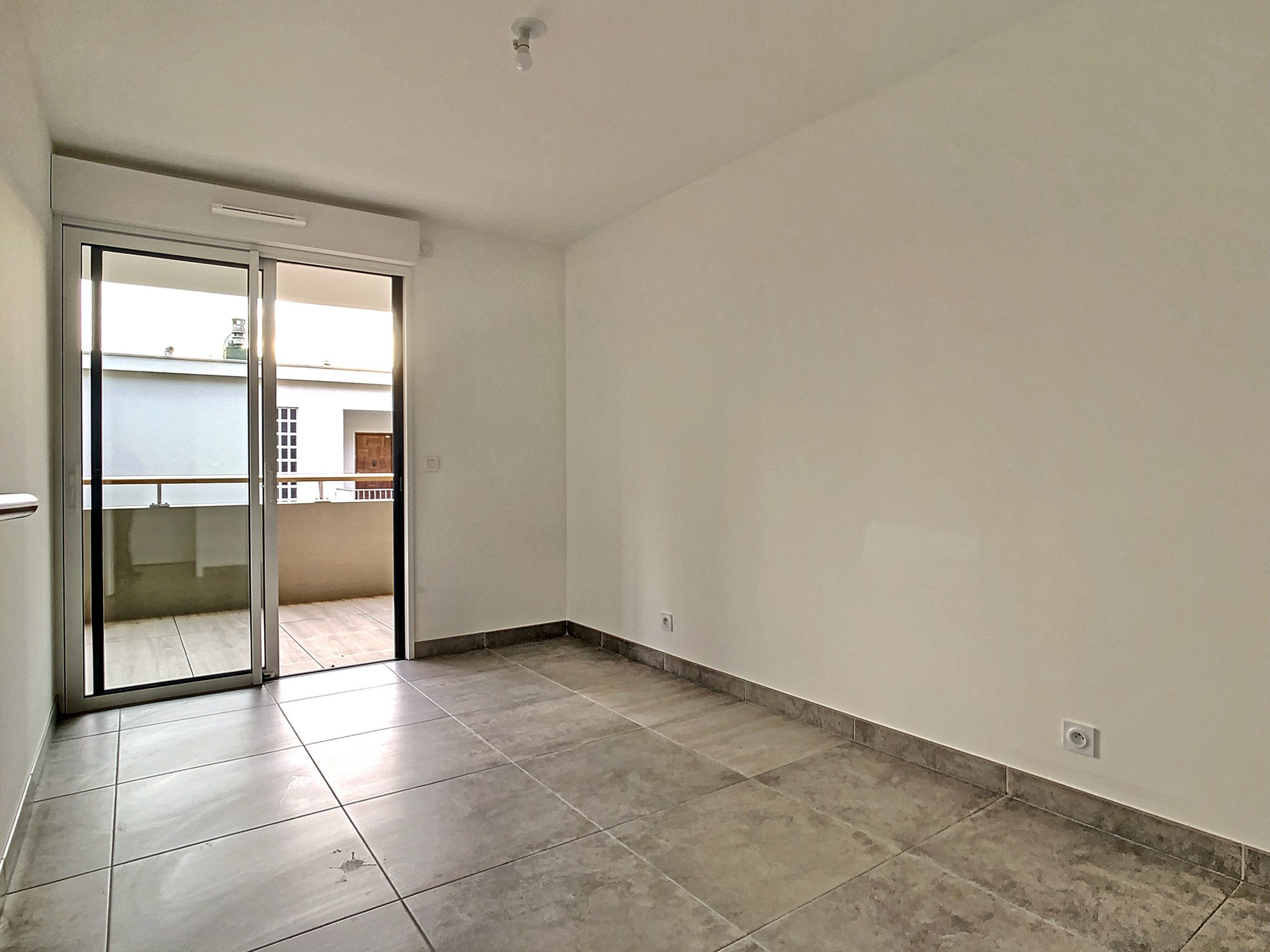 Flat of 3 Rooms with terrace of 23 m² in a quiet environment
