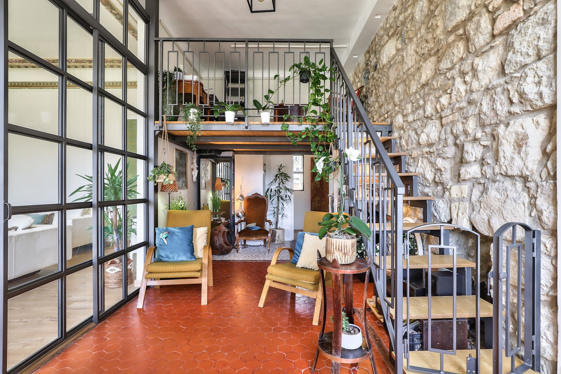 Nice – Large 4 Bedrooms Apartment of 156 sqm of Bohemian Style in the Heart of the City