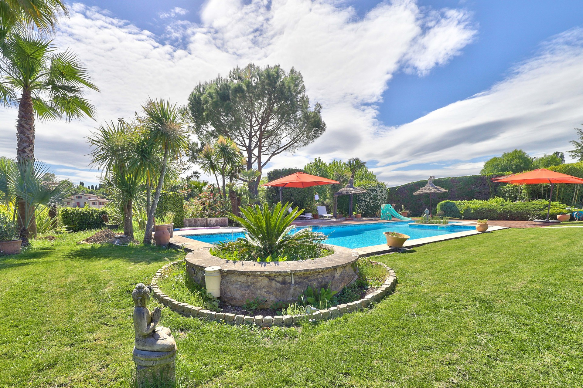 Provencal House with Park and Swimming Pool near Valbonne