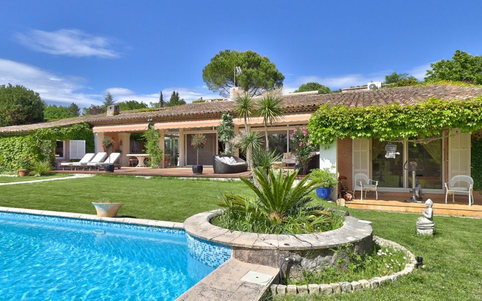 Provencal House with Park and Swimming Pool near Valbonne : photo 2