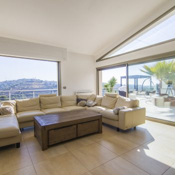 Nice Bellet – Beautiful Villa in a Quiet Area with Infinity Pool and Open View