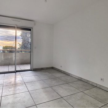 Magnificent 2 Bedrooms Flat with 2 Large Terraces Facing South in Cimiez