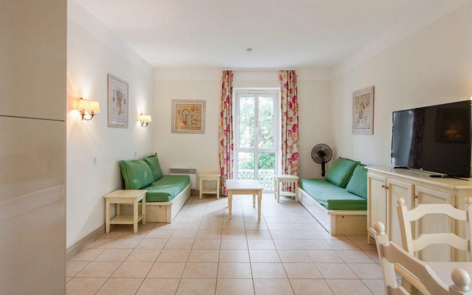 Cannes Croix des Gardes – 3 Bedrooms Apartment 84 sqm in Property with Park : photo 3