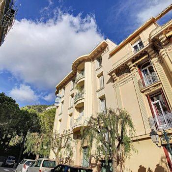 Beaulieu – 2 bedrooms Apartment in a Small Art Deco Condominium